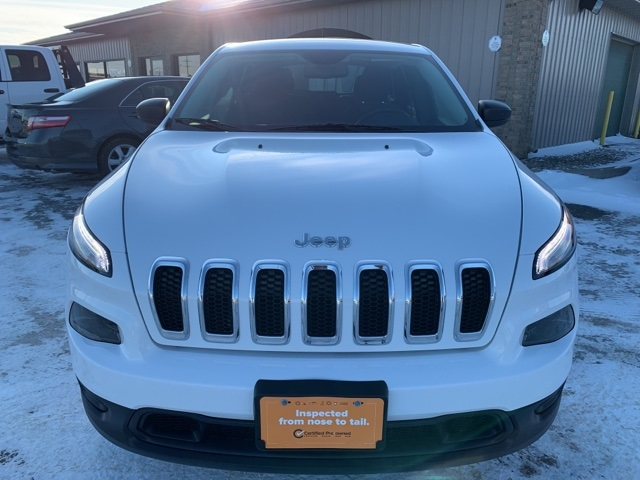 Pre-Owned 2017 Jeep Cherokee Sport